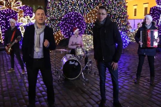 Premiera klipu: Solaris i debiutanci z Motif w świątecznym duecie