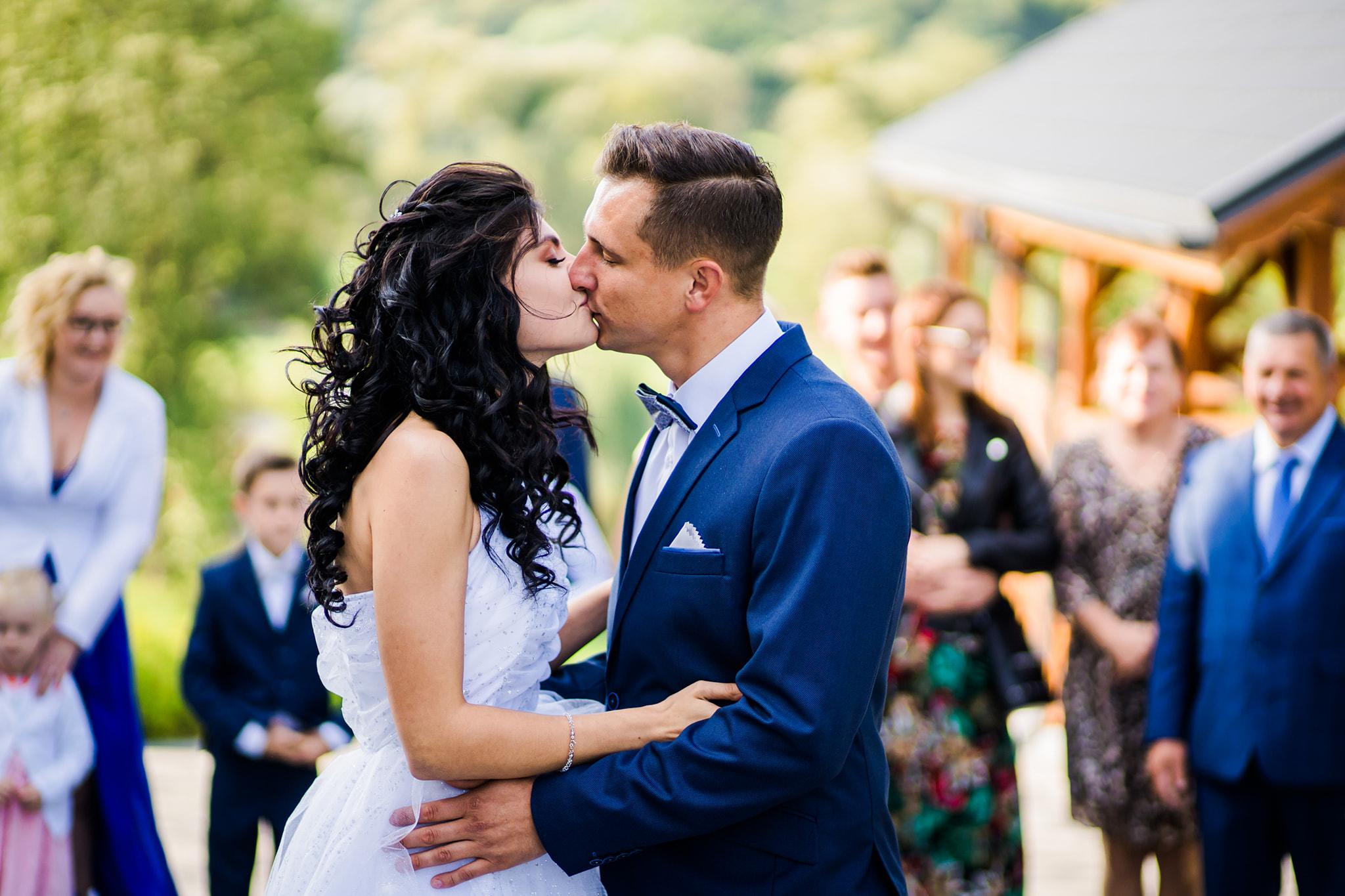 Ślub w pandemii! Gwiazdor disco polo i jego żona pokazali jak wyglądał ich najważniejszy dzień!