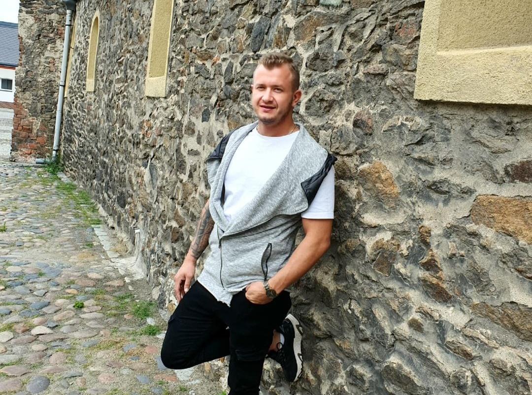 Dawid Narożny - brawurowe wykonanie gwiazdora disco polo oczarowało internautów! To prawdziwy hit!>                         </a>                         </div>                         <div class=